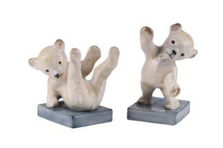 Buchstützen zwei kleine Eisbären