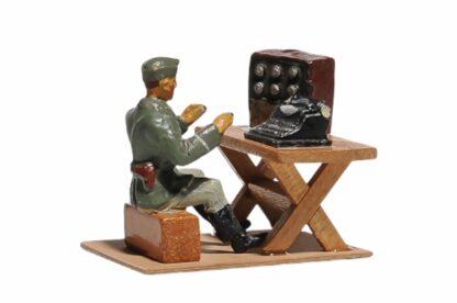 Elastolin Soldat Lagerleben mit Funkgerät und Schreibmaschine1