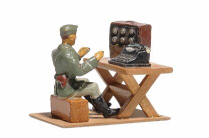 Elastolin Soldat Lagerleben mit Funkgerät und Schreibmaschine2