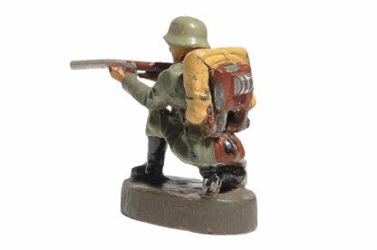 Elastolin Soldat kniend richtig schiessend3