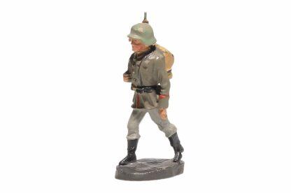 Elastolin Soldat marschierend Gewehr Geschultert2