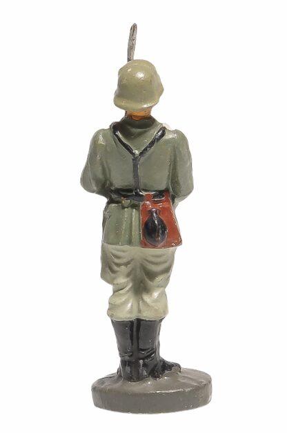 Elastolin Soldat präsentiert das Gewehr3