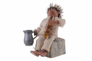Figur mit Kanne und Brot Peter Mecki (1)