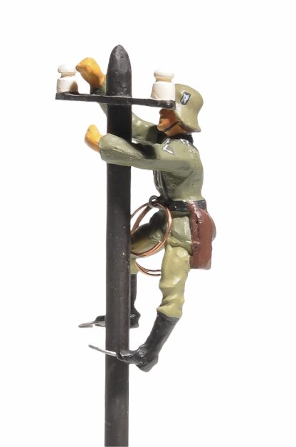 Lineol:Duscha Soldat Fernmelder am Telefonmast2