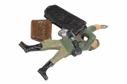 Lineol:Duscha Soldat mit Granate liegend3