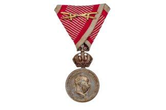 Silber Militär Verdienstmedaille Signum Laudis mit Schwerter1